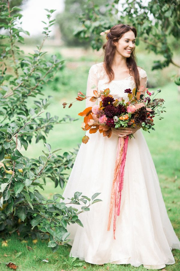The Prettiest Inspiration for a Modern Autumn Wedding lovemydress.net - bowtieandbellephotography.co.uk