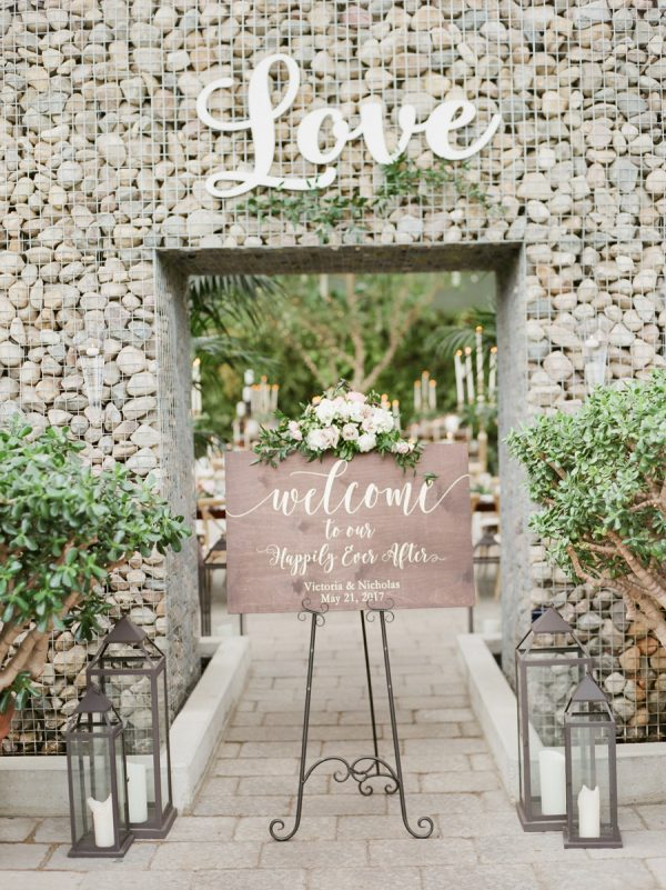 15 Fun Ways To Use Wedding Signs At Your Big Day stylemepretty.com - kellysweet.com