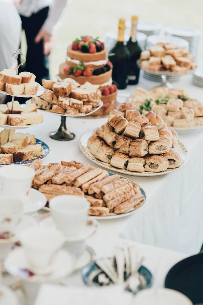 Be Inspired – Fun Ideas For Your Wedding Food Station